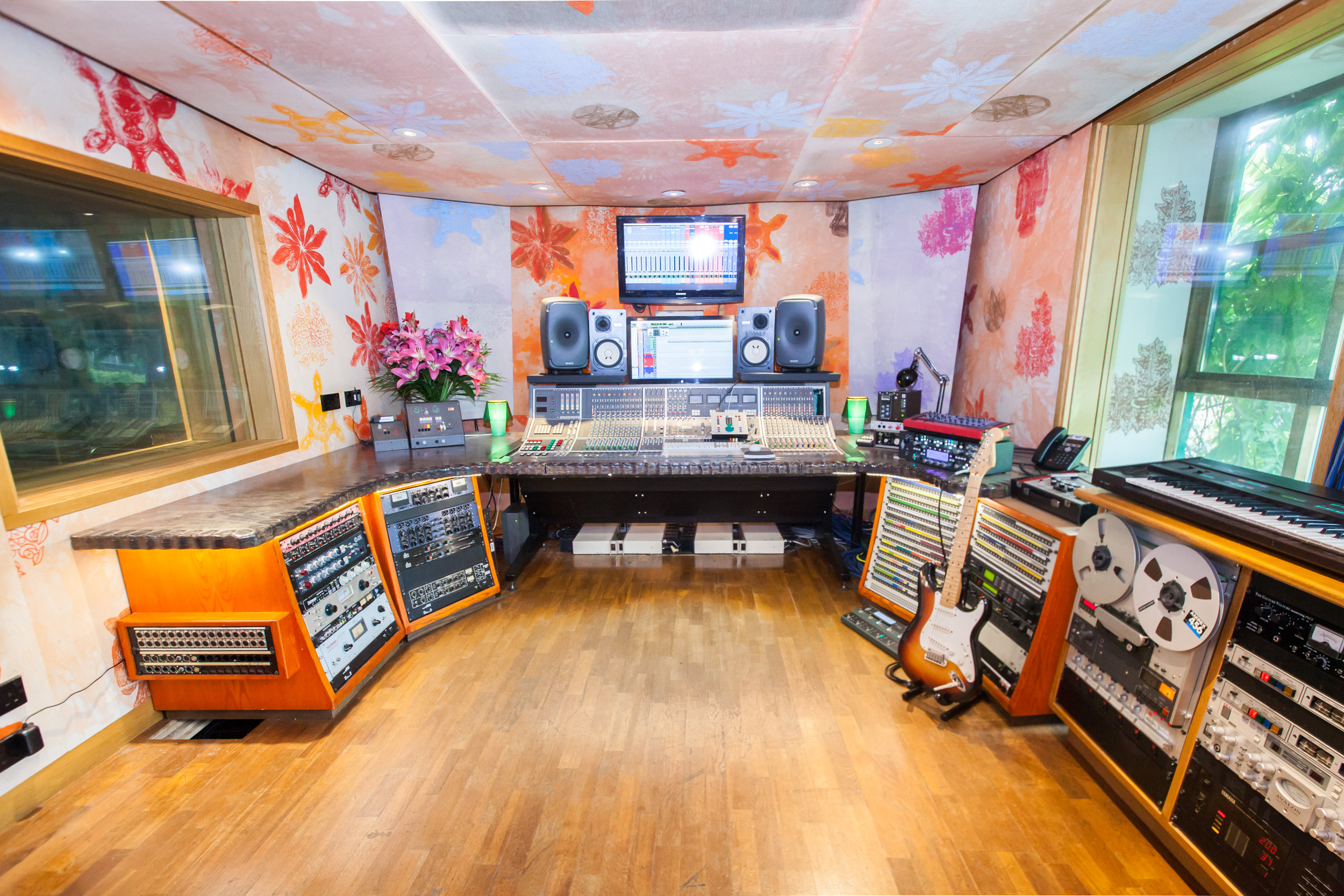 Studio 4 central