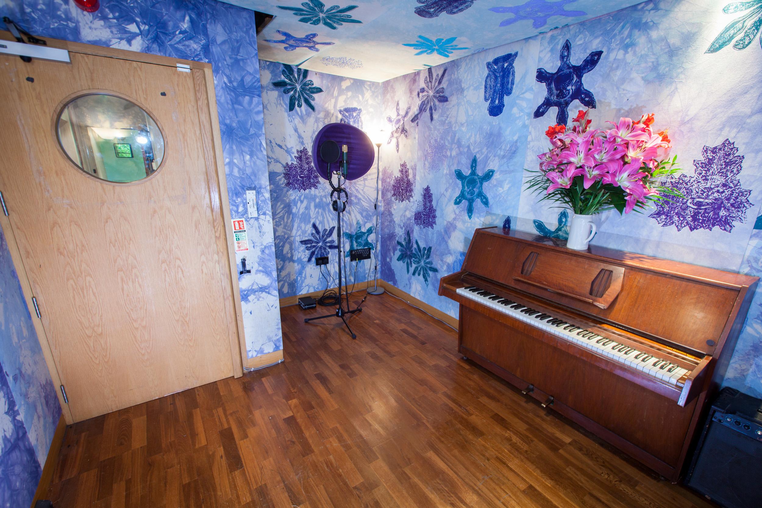 Studio 4 live room 2