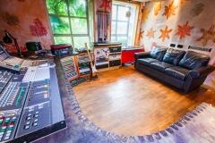 Studio 4 desk sofa furniture curve